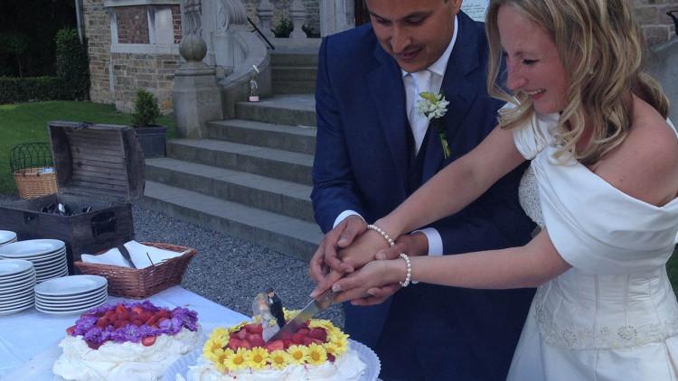 Aansnijden Bruidsdessert