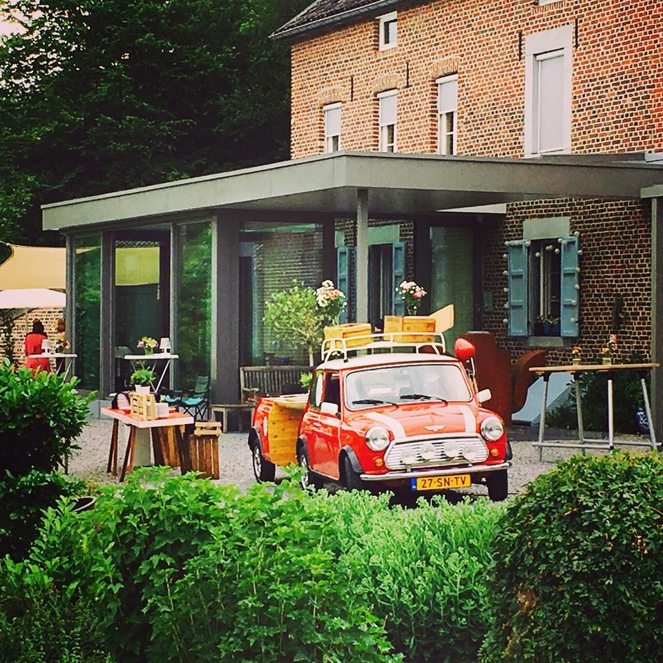 Mini Mobile Adventurecook catering op locatie uniek concept bbq diner koffiebar Maastricht Limburg
